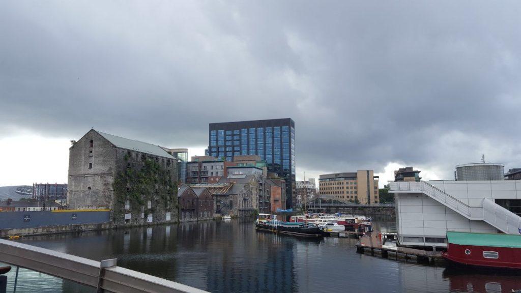 Google HQ Dublin met typisch Iers weertje